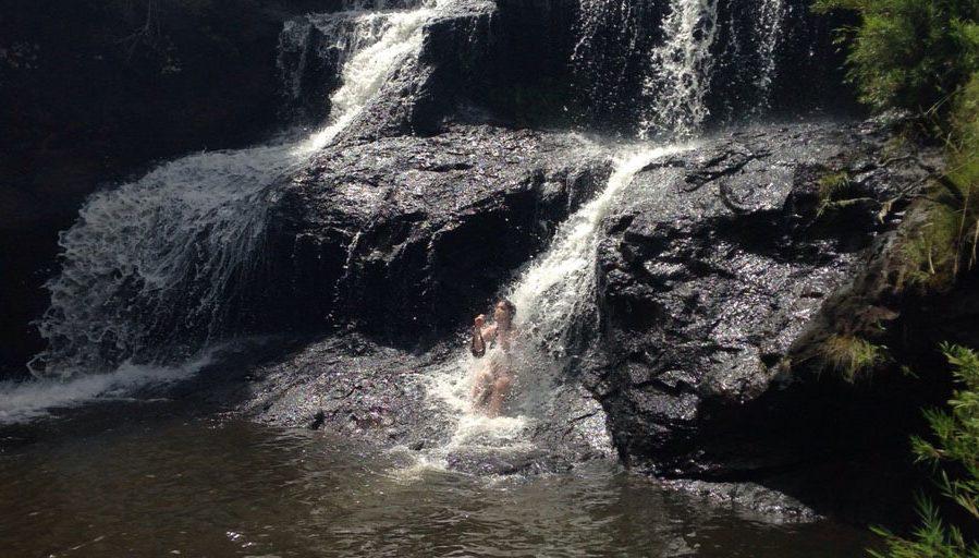 banho-de-cachoeira